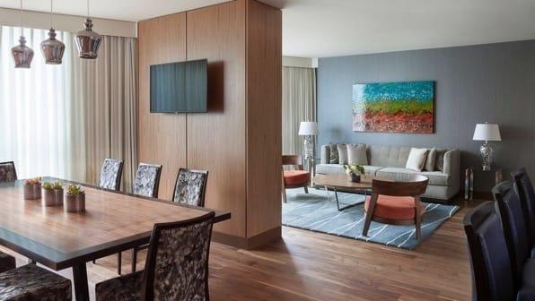 Yvrdt suite 0092 hor wide