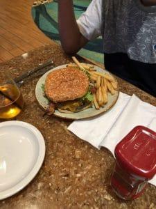 スプリングヒルリゾート サンノゼ_dinner_ハンバーガー